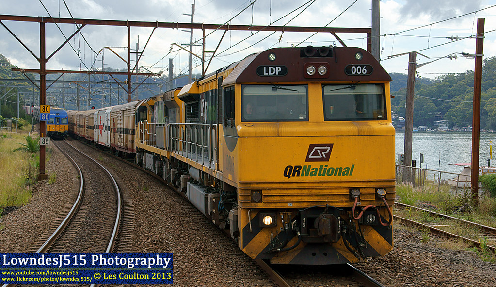LDP006 & 6006 at Hawksberry River by LowndesJ515