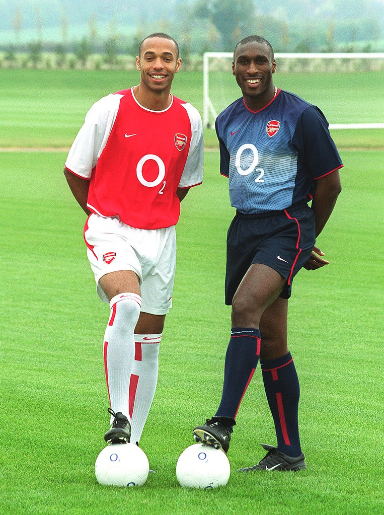 size 40 04844 9ed3d Thierry Henry and Sol Campbell model new Arsenal kits for ...