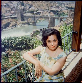Zoila Barrós, esposa de Victorio Macho, en su casa de Roca Tarpeya, en 1964. Fotografía de Santos Yubero © Archivo Regional de la Comunidad de Madrid, fondo fotográfico | by eduardoasb