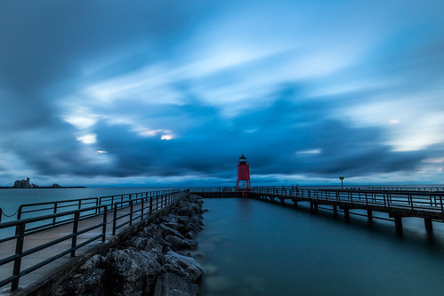 2016 august kevinpovenz michigan charlevoix sunset longexposure blue evening night dusk lighthouse lakemichigan pier canon7dmarkii clouds light