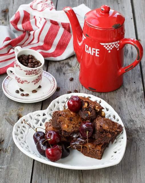 Brownie with hazelnut, dried apricots and fresh cherry