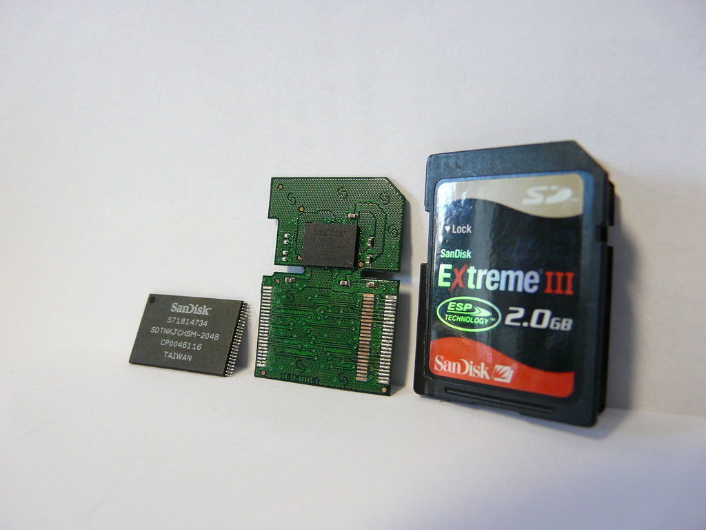 Datenwiederherstellung Sd Karte.Evolution From Chip To Pcb To Sandisk Extreme Iii Sd Car Flickr