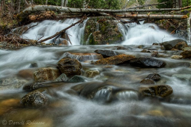 Flowing Cascades