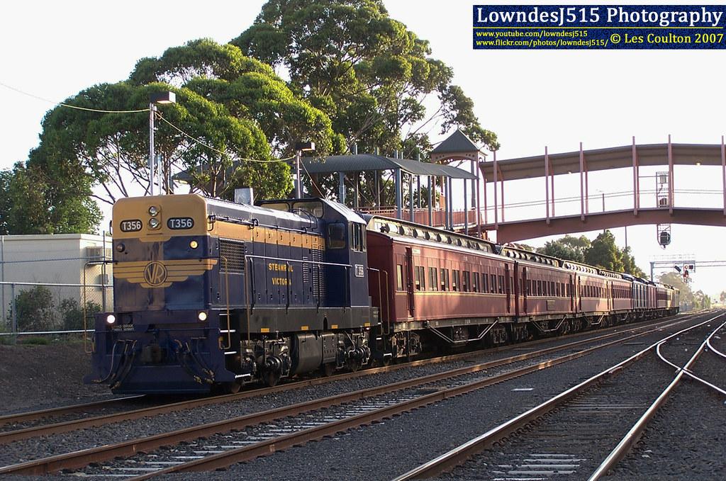 T356 at Sunbury by LowndesJ515
