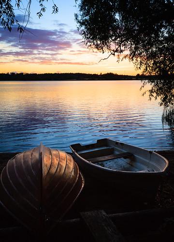 auringonlasku aurinko beach boat järvi kesä laaksolahti lake pitkäjärvi ranta shore sun sundown sunset vene espoo