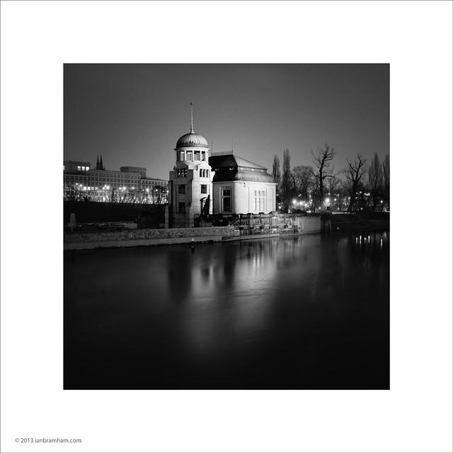 Hydro-electric power station, Prague