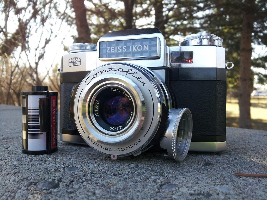 Zeiss Ikon Contaflex Super-B | A 35mm SLR with interchangeab