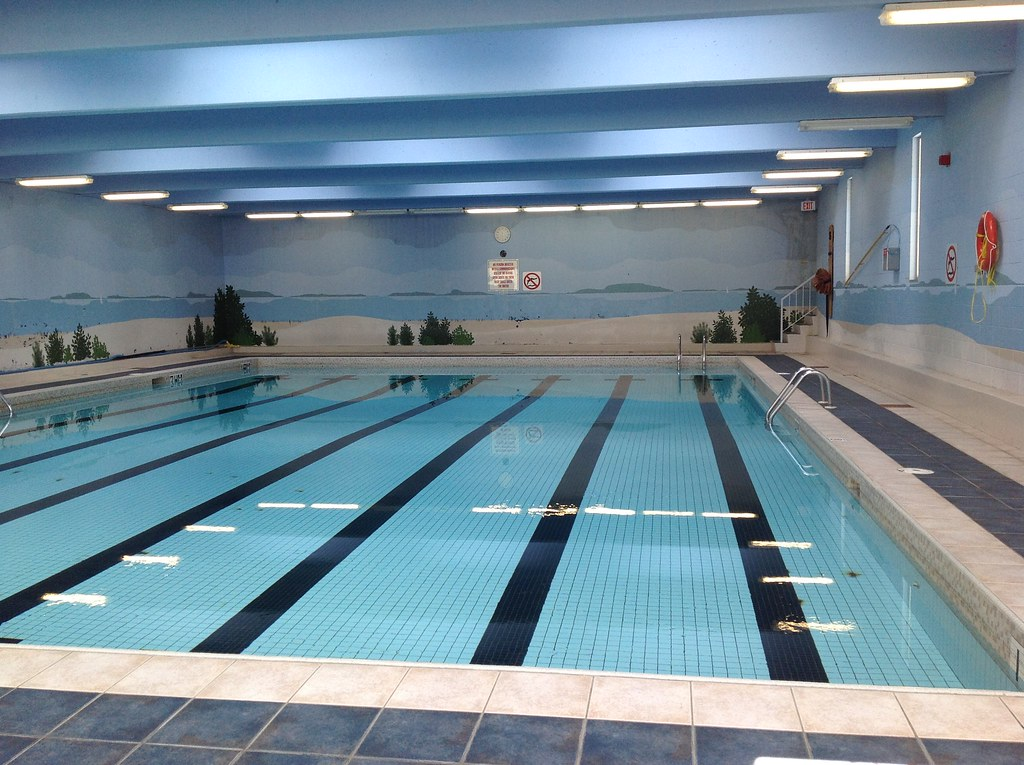 courts-of-st-james-winnipeg-apartments-with-swimming-pools ...