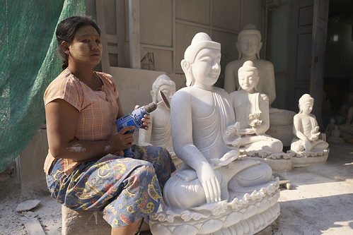 Atelier de sculpture  [ Birmanie (Myanmar) ]   by emvri85