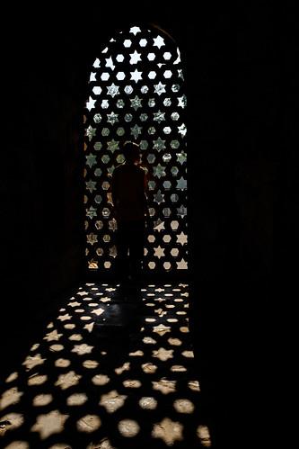 Shapes in Light | Qutub Minar Complex, Delhi, India | by t linn