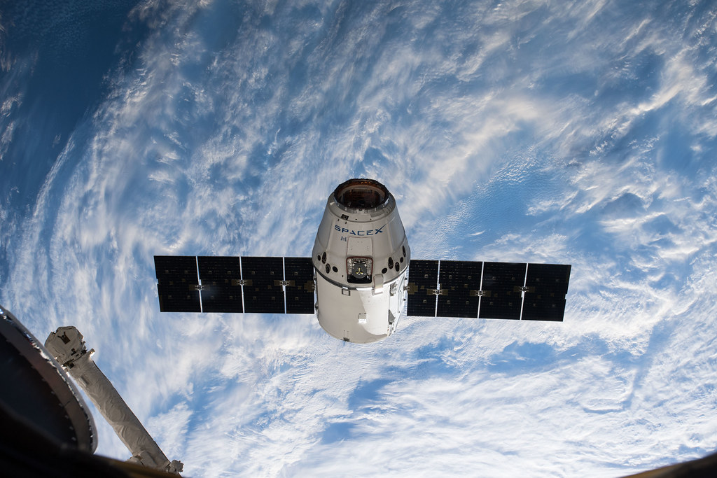 SpaceX Dragon Approaches the Station | iss055e009952 (April