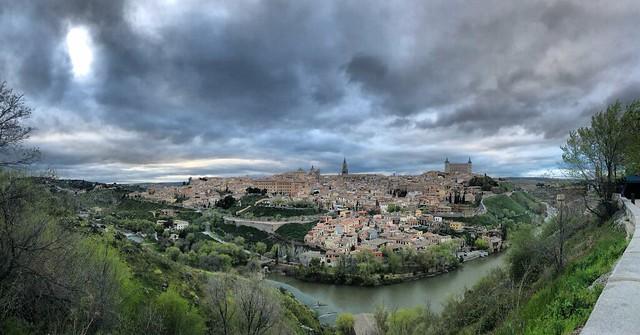 Toledo. Panorámica desde El Valle. Foto: https://www.leyendasdetoledo.com