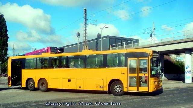 2004 Volvo B12M 9019 AU47337 shows rear wheel steering and open rear doors on railway work