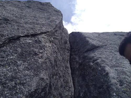 鳳凰山 地蔵岳 オベリスク 頂上直下の鎖   by ichitakabridge