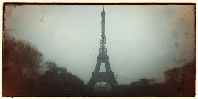 Retrolux filter on Snapseed App  - Eiffel Tower