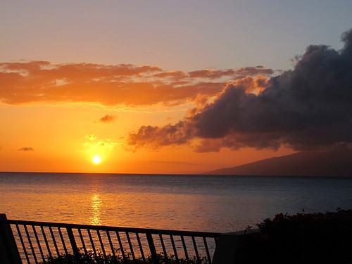 ocean sunset vacation holiday colour clouds island hawaii day maui pwpartlycloudy