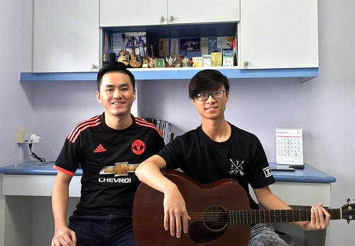 1 to 1 guitar lessons Singapore Andrew
