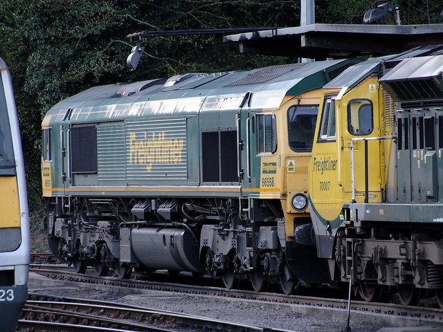 66558 & 70007 stabled at Ipswich