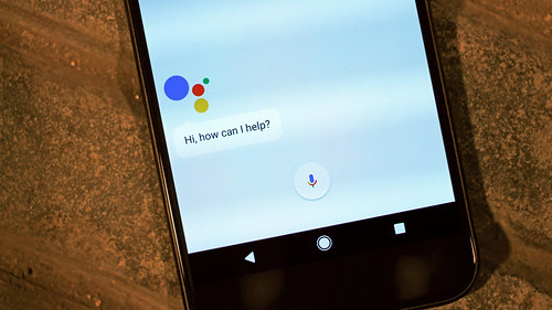 Android Assistant on the Google Pixel XL smartphone | by pestoverde
