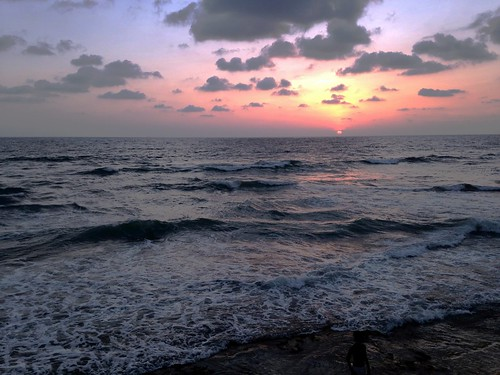 gallefacegreen galleface colombo sunset sri lanka iphone5 apple projectweather cloudy night