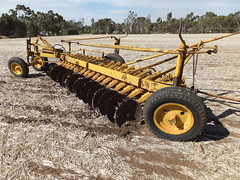 Chamberlain 14 disc single disc plough