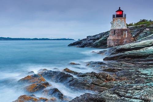 ocean lighthouse seascape sunrise day cloudy rhodeisland newport castlehill jamestown waterandrocks leegnd leecp 5diii1635ii