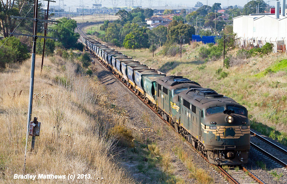 A81-A79 with #9318 up loaded Apex from Kilmore East to Brooklyn at Keilor Park (9/4/2013) by Bradley Matthews