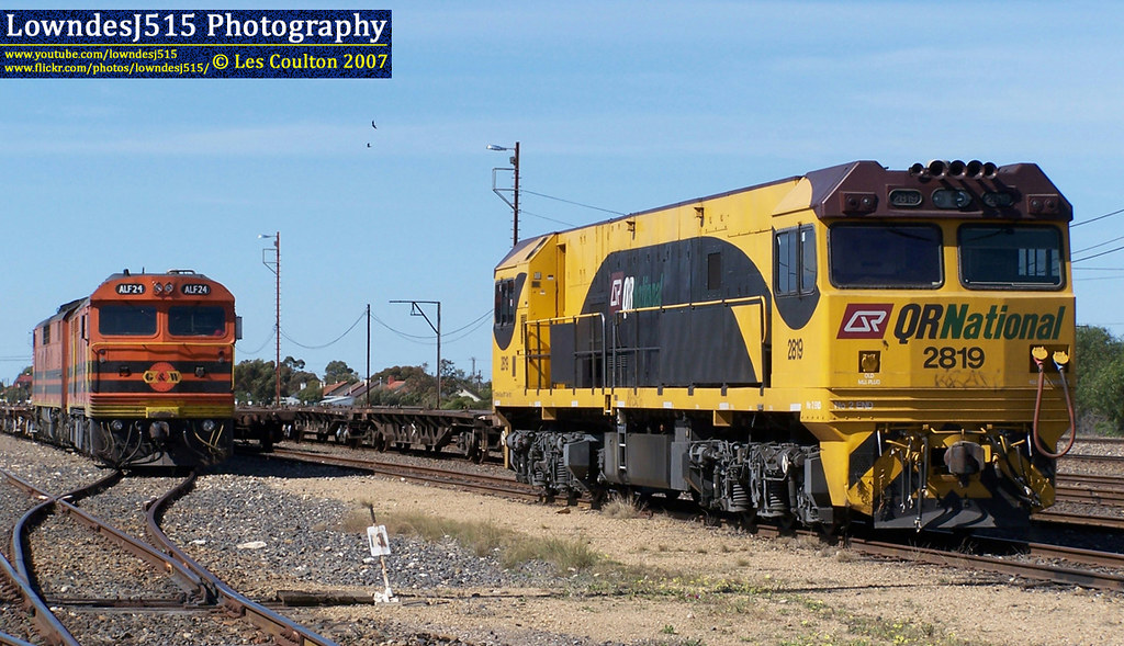 2819, ALF24 & GM42 at Tailem Bend by LowndesJ515