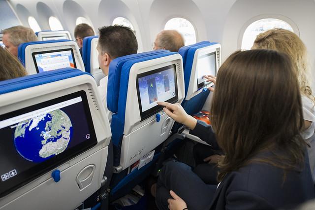 Cabina de un avión de pasajeros de KLM