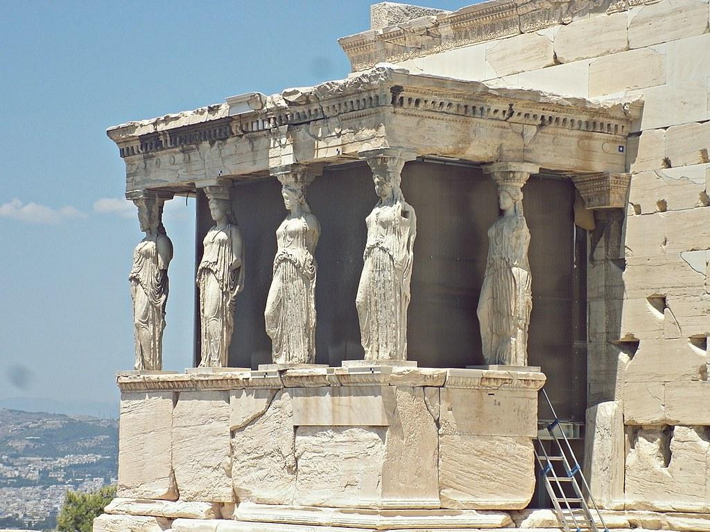 Tribuna De Las Cariatides En El Erecteion Atenas Grecia Mai