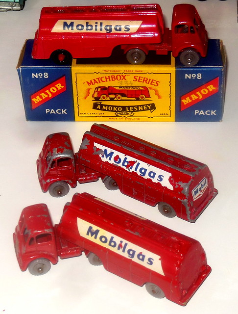 Lesney Matchbox Major Pack no 8 Thorneycroft Mobilgas tanker