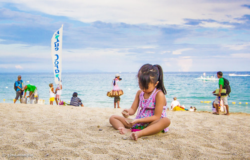 summer playing beach girl fun sand bliss canon1022