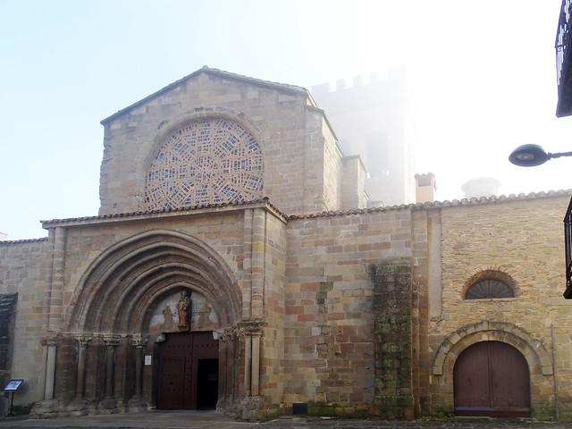 Sangüesa fachada exterior Iglesia de Santiago Navarra 01