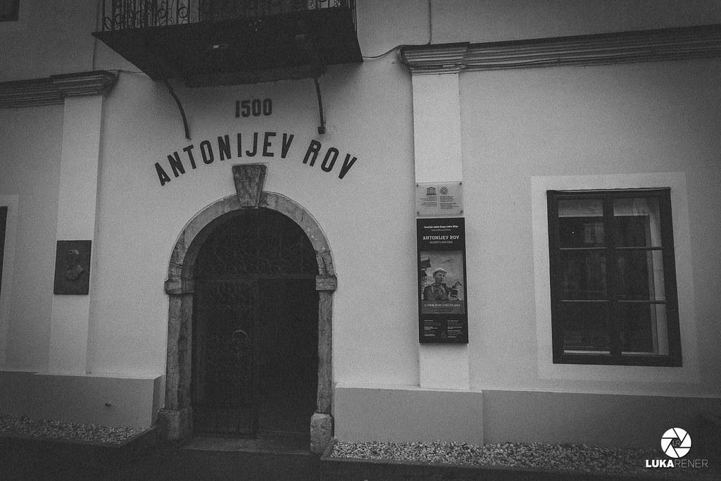 Antonijev rov v Idriji