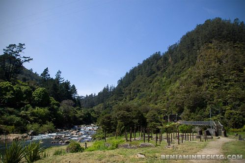 Starting point of Karangahake Gorge trekking | by Benjamin Beck