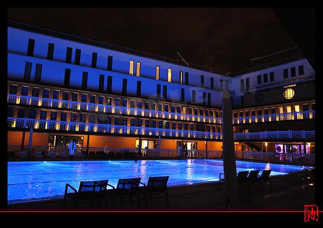Molitor by night : Les chambres avec vue sur la piscine d'été