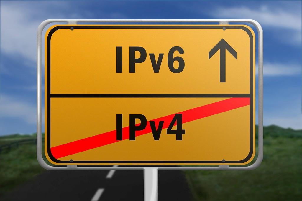 Ortsschild mit den Worten IPv4 und IPv6