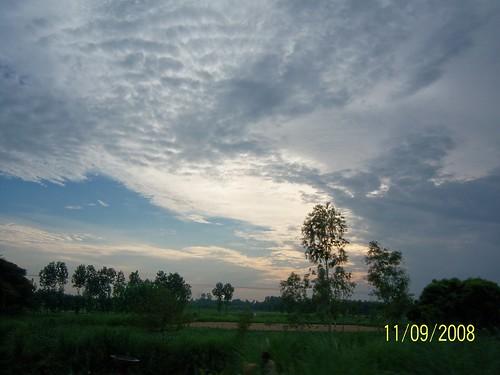 trainjourney uttarpradesh indianrailways landscapes cities india clouds panoramio216644615018379