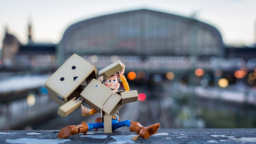 18 35mm centralstation d5200 dslr danbo germany hamburg lens nikon photography prime reiterlied sipgoeshamburg2016 stuckinplastic sunrise toy toystory woody