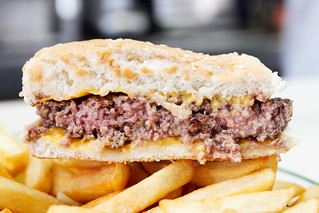 Cheeseburger   by roboppy