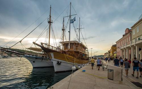 malilošinj otoklošinj islandlošinj lošinjisland croatia croatianislands adriatic sea adriaticsea jadranskomore jadran sailboat boat boats nikond600 nikkor173528 sunset