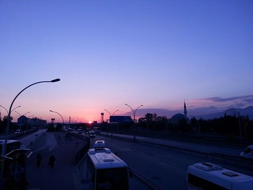 istanbul kocaeli sunrise sun rays sol amancer camii mezquita mosque busstop bus stop turkeyautumns marmara