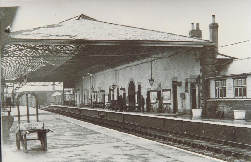 Market Weighton Railway Station 1940 (archive ref DDX1525-1-14)