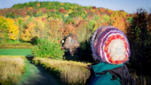 upstate upstateny upstatenewyork otsegocounty otsegocountyny otsegocountynewyork catskills catskillmountians changingcolors fall autumn rollinghills jsphotography sunrise