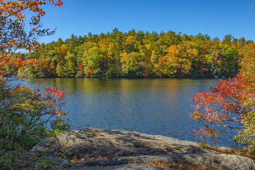 pond lake autumn fall trees burrpondstatepark burrpond torrington connecticut torringtonconnecticut statepark park outside outdoors nature natural