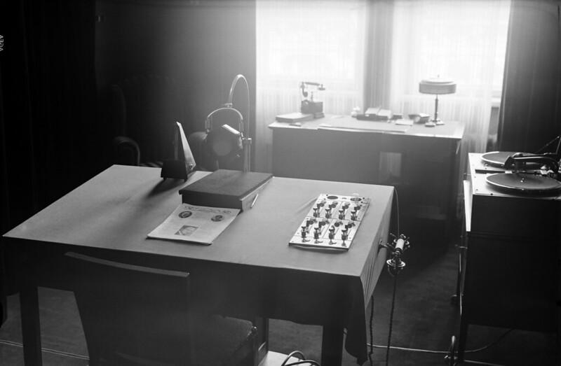 Radio studio 1927-1934