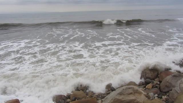 MVI_0127 Arroyo Burro beach waves high tide