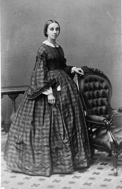 Jane R Valentine