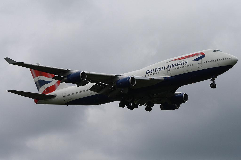 British Airways G-BNLJ