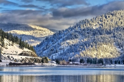 winter snow idaho gettyimages coeurdalenelake wolflodge